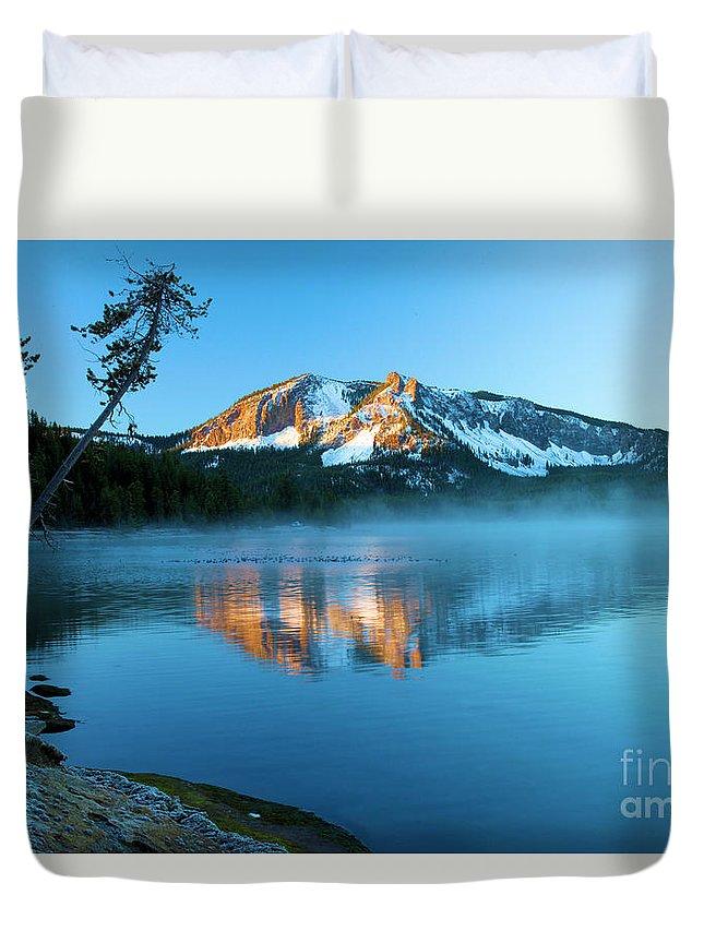 Paulina Peak Duvet Cover featuring the photograph Paulina Peak In Paulina Lake by Adam Jewell