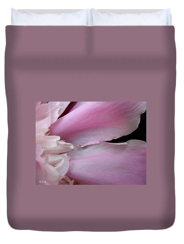 Peace Duvet Cover featuring the photograph Peace by Ed Smith