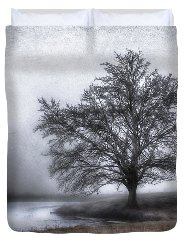 Tree Canvas Print Duvet Cover featuring the photograph Peaceful Country Setting by Garett Gabriel