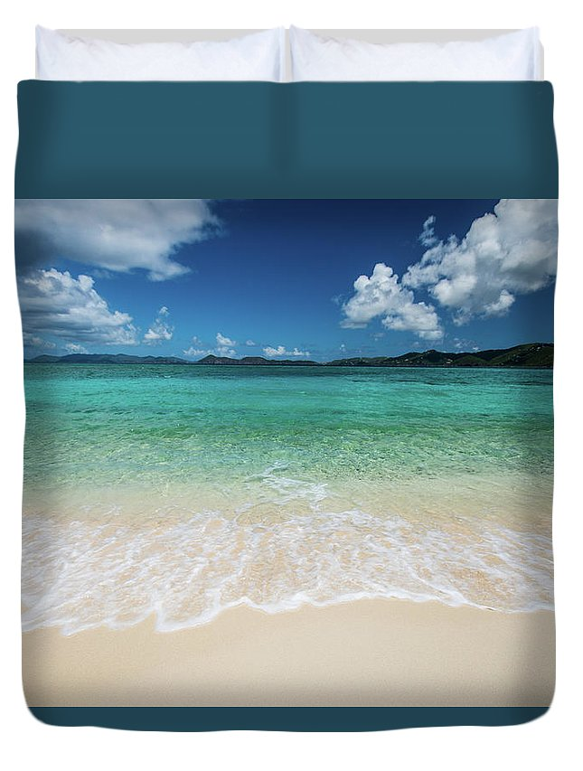 Landscape Duvet Cover featuring the photograph Peaceful Waves by Rob Lantz