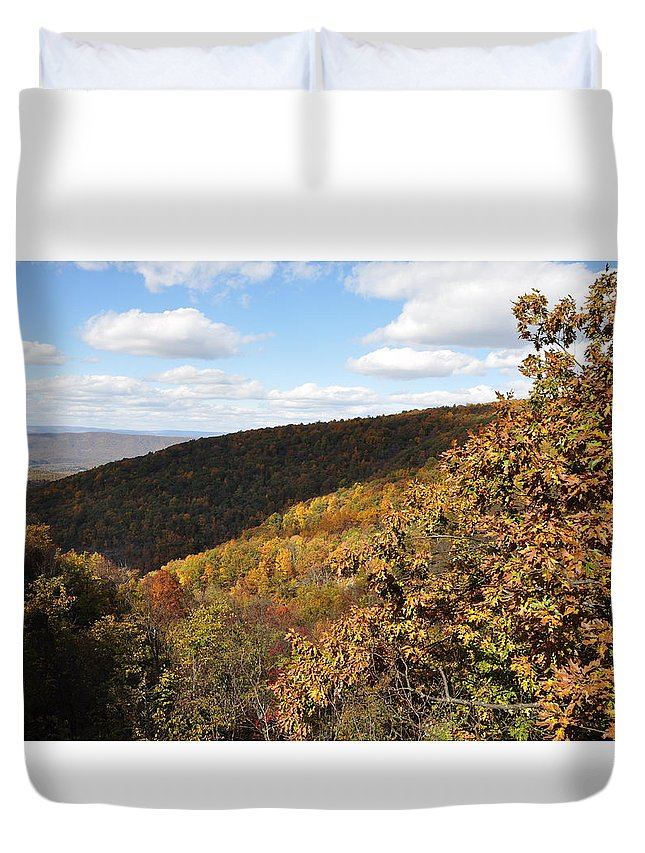 Shenandoah Duvet Cover featuring the photograph Peak Foliage by Rachel Young