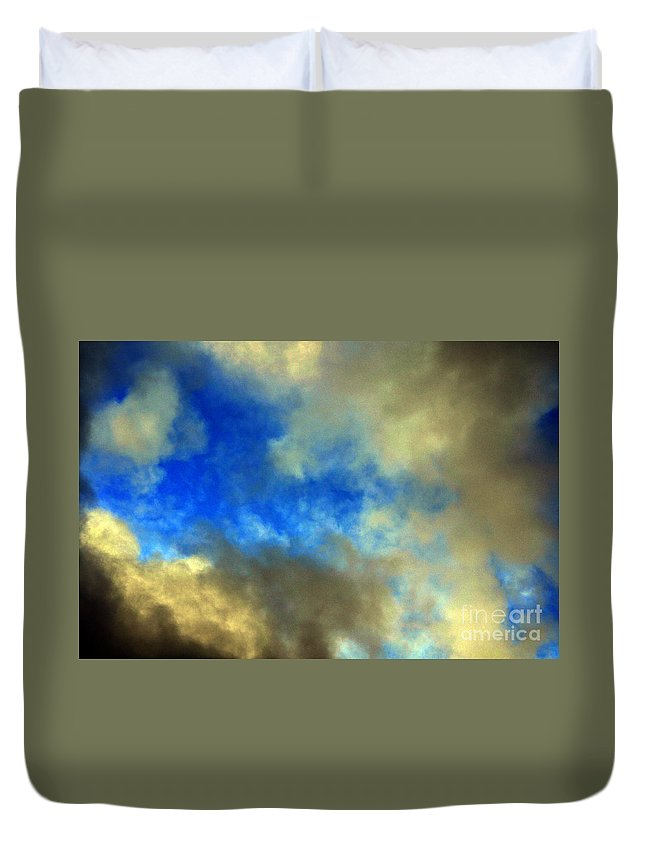 Clay Duvet Cover featuring the photograph Peeking Through by Clayton Bruster
