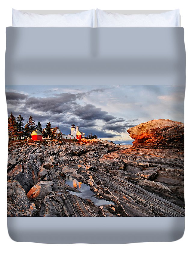Lighthouse Duvet Cover featuring the photograph Pemaquid by Cliff Nixon