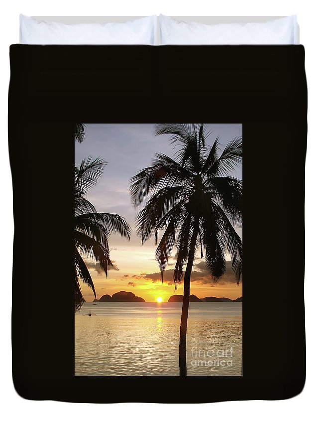 Beach Duvet Cover featuring the photograph Perfect Evening - Vertical by Delphimages Photo Creations