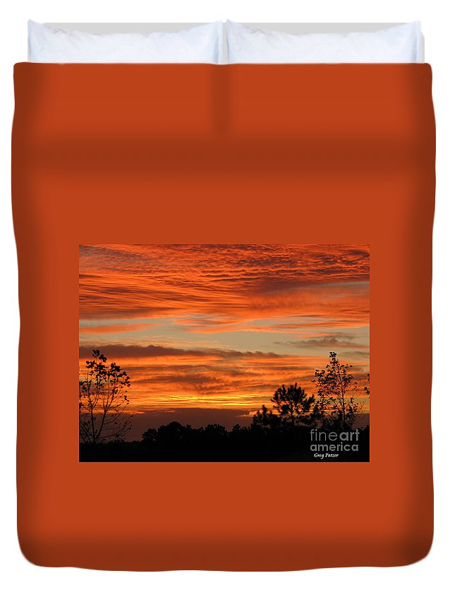 Art For The Wall...patzer Photography Duvet Cover featuring the photograph Perfection by Greg Patzer