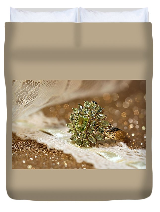 Jewelry Duvet Cover featuring the photograph Peridot by Gary Yost