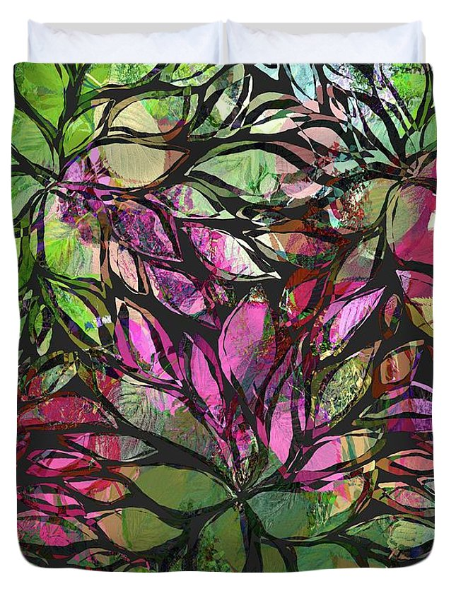 Floral Duvet Cover featuring the digital art Petales - 44ah11 by Variance Collections