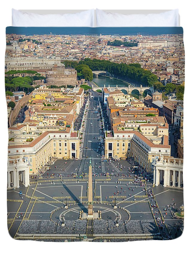 Catholic Duvet Cover featuring the photograph Piazza San Pietro by Inge Johnsson