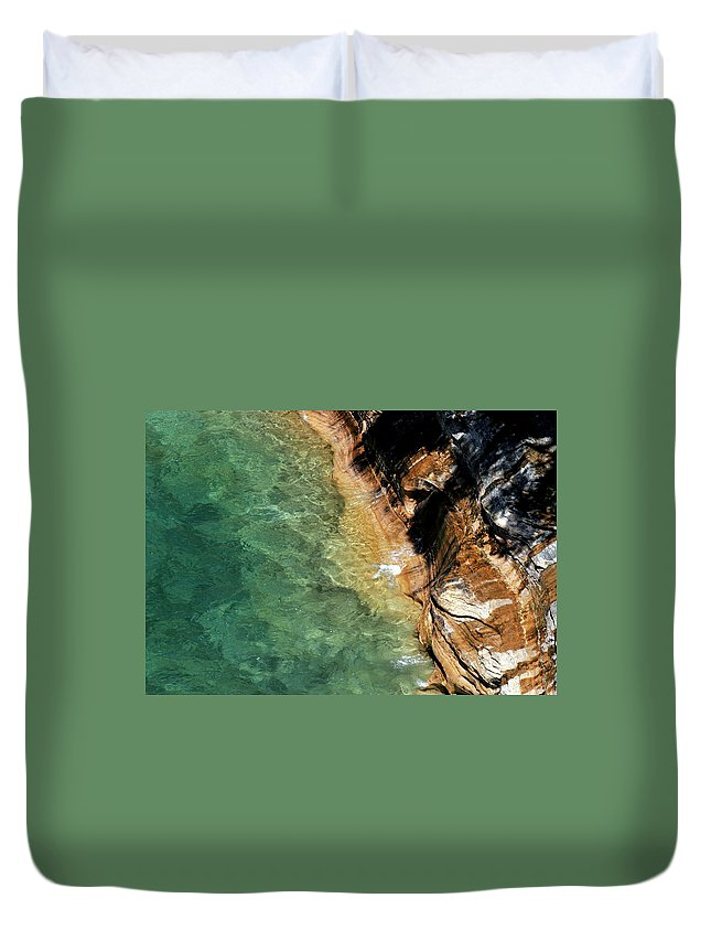Pictured Rocks Duvet Cover featuring the photograph Pictured Rocks by Kenneth Campbell