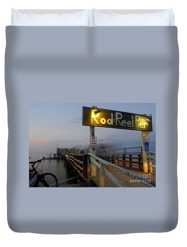 Fishing Pier Duvet Cover featuring the photograph Pier Group by David Lee Thompson