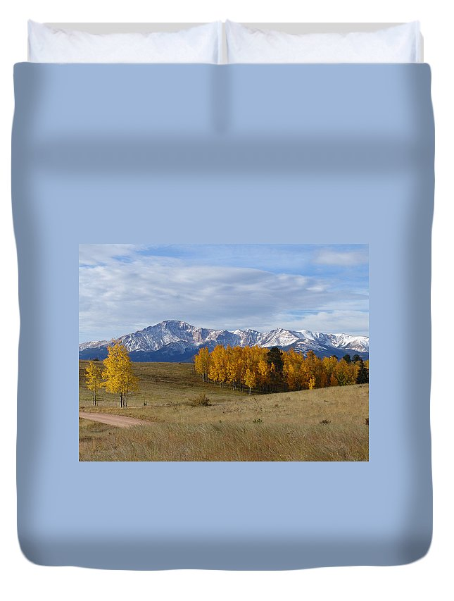 Fall Duvet Cover featuring the photograph Pikes Peak In The Fall by Carol Milisen