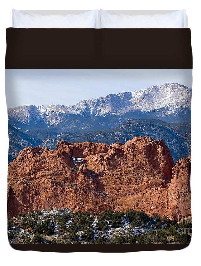 Pikes Peak Duvet Cover featuring the photograph Pikes Peak Over The Garden by Steve Krull