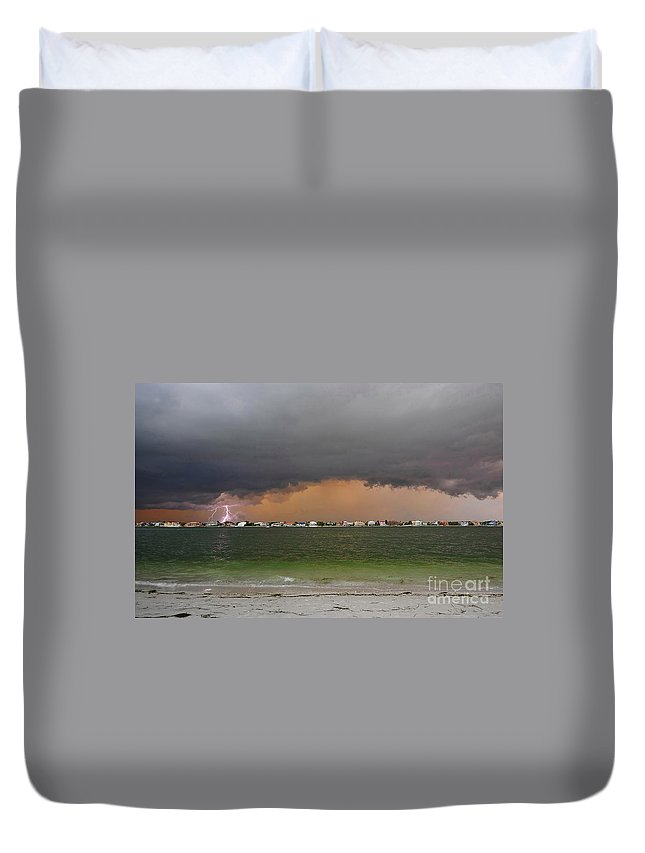 Lightning Bolt Duvet Cover featuring the photograph Pine Key Bolt by David Lee Thompson