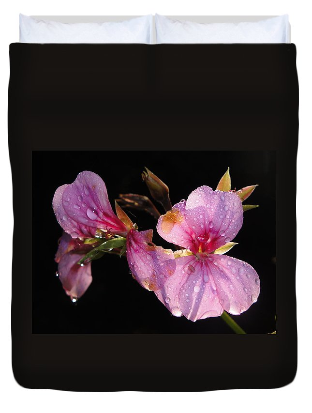 Floral Duvet Cover featuring the photograph Pink Blush Cranesbill by Susan Baker
