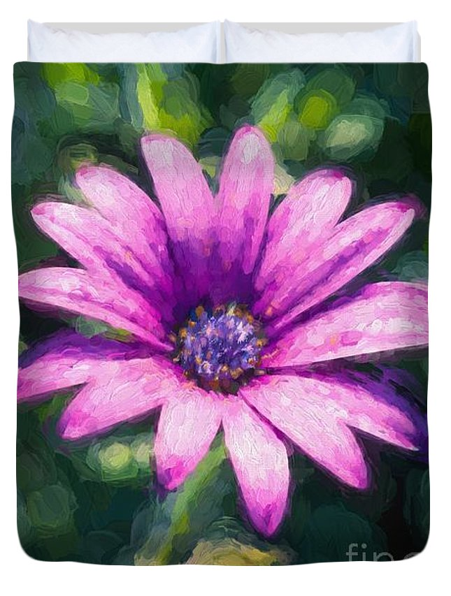 Daisy Duvet Cover featuring the photograph Pink Daisy by Ray Warren