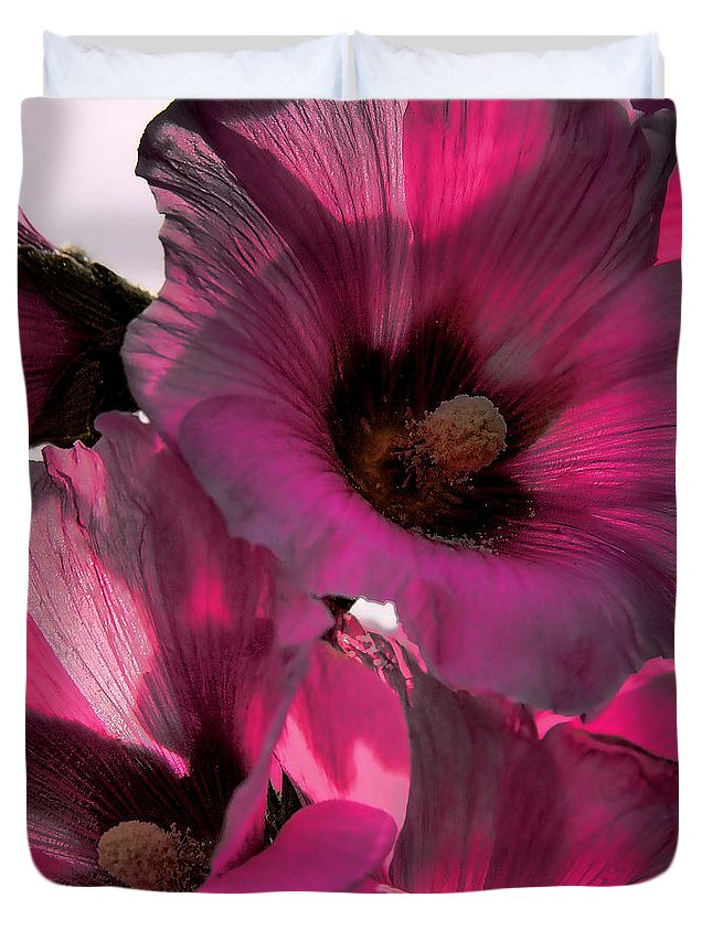 Flower Duvet Cover featuring the photograph Pink Petunia by David Patterson