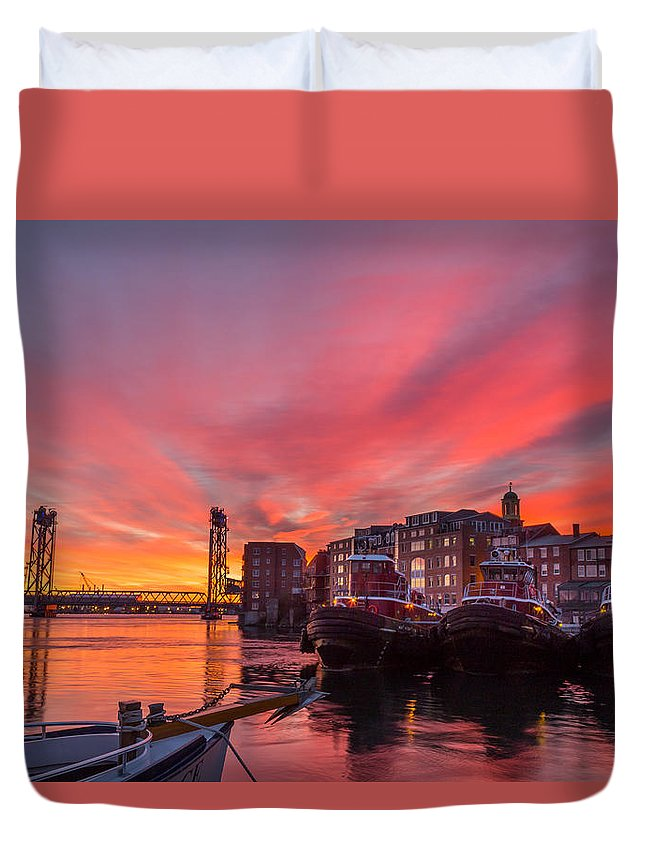 Portsmouth Duvet Cover featuring the photograph Pink Sunrise by Scott Patterson