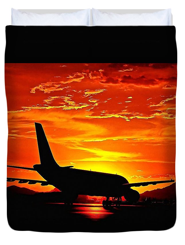 Pilot Duvet Cover featuring the photograph Dream Flight by Scott Kimble