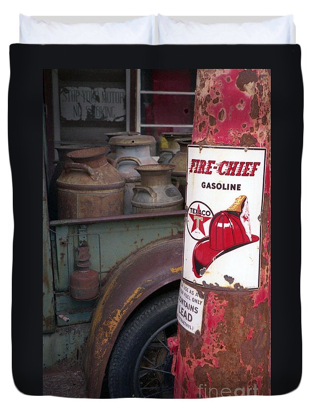 Old Milk Jugs Duvet Cover featuring the photograph Pit Stop by Richard Rizzo