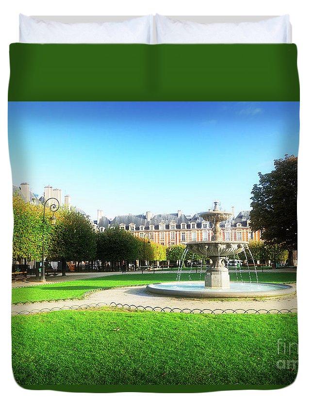 Vosges Duvet Cover featuring the photograph Place De Vosges, Paris by Anastasy Yarmolovich