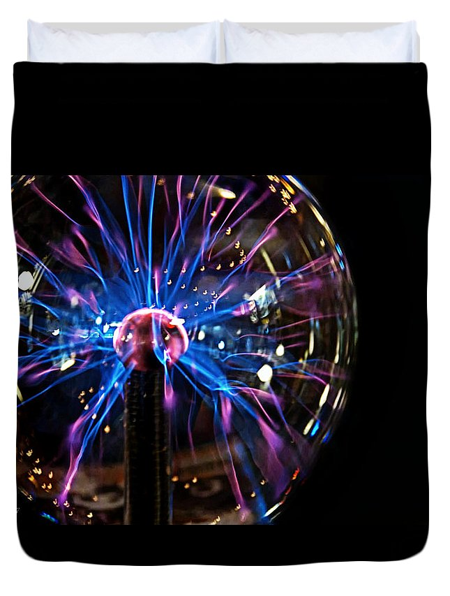 Electricity Duvet Cover featuring the photograph Plasma Sphere by Catherine Melvin
