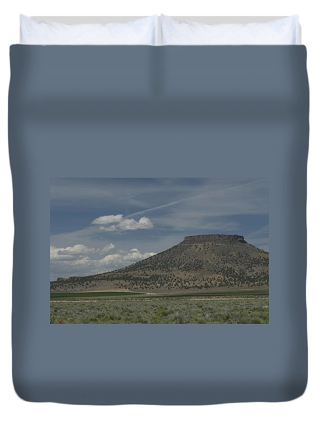 Desert Duvet Cover featuring the photograph Plateau by Sara Stevenson