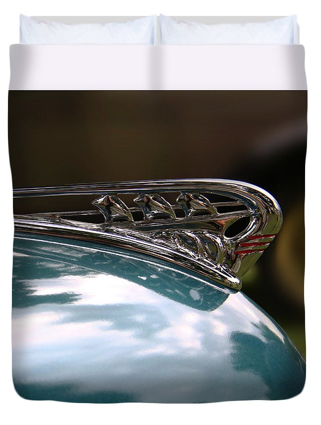 Antique Cars Duvet Cover featuring the photograph Art Deco Plymouth Hood Ornament by Yvonne Wright