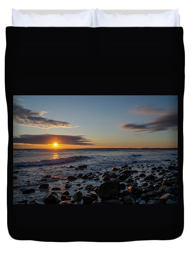 Point Duvet Cover featuring the photograph Point Allerton Sunrise - Nantasket Island by Bill Cannon