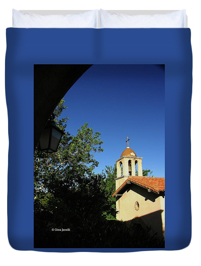 Sedona Duvet Cover featuring the photograph Pointing The Way by Gina Janelli