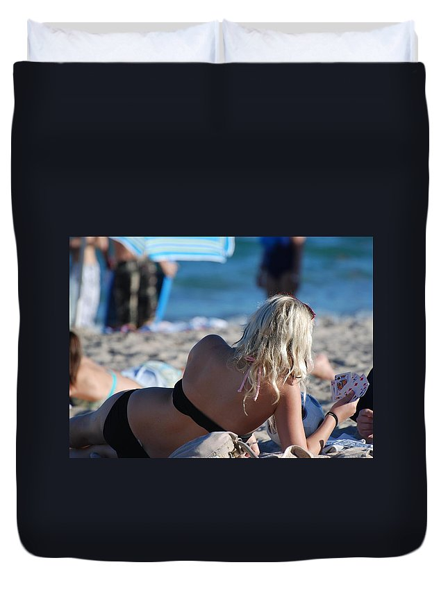 Cards Duvet Cover featuring the photograph Poker At The Beach by Rob Hans