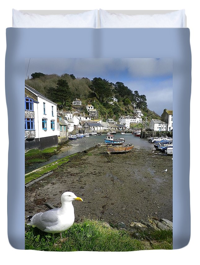 Polperro Duvet Cover featuring the photograph Polperro Harbour Cornwall And Seagull by Richard Brookes