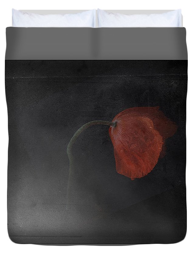 Floral Duvet Cover featuring the photograph Poppy by Jeff Hummel