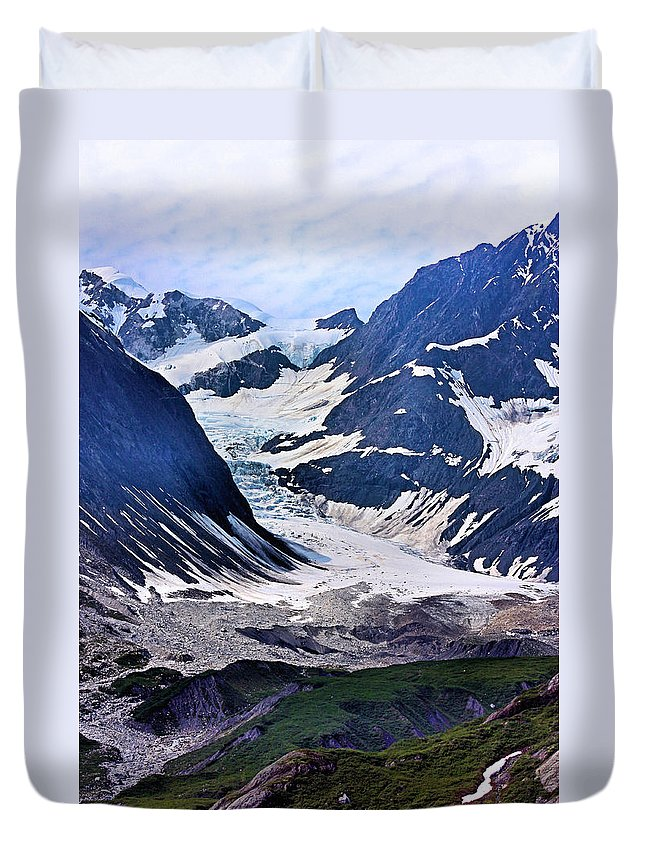 Mountains Duvet Cover featuring the photograph Portrait Of Majesty by Kristin Elmquist