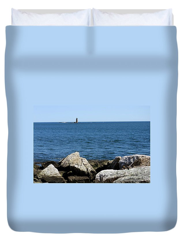 Lighthouses Duvet Cover featuring the photograph Portsmouth Harbor Lighthouse by Skip Willits