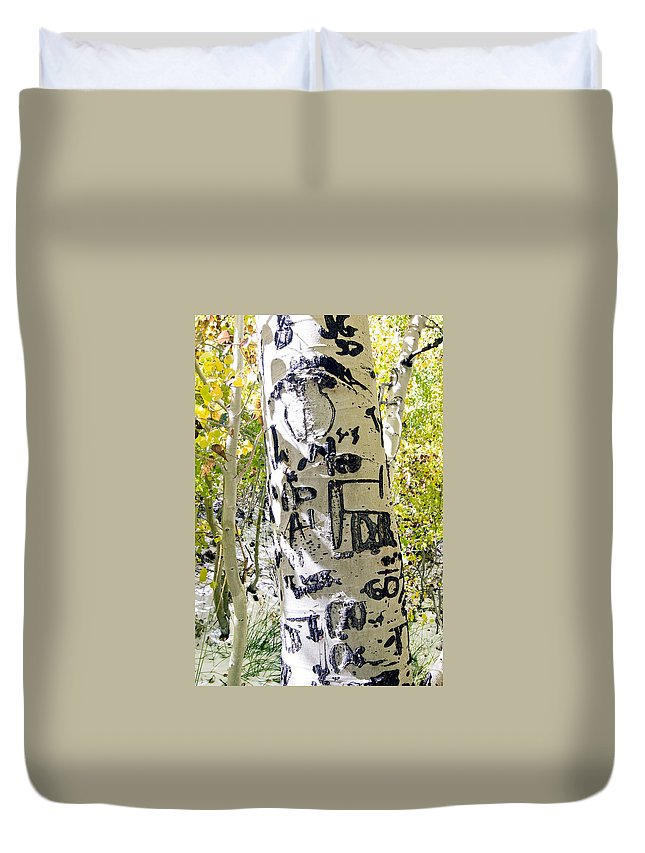 Trees Duvet Cover featuring the photograph Presidential Tree by Norman Andrus