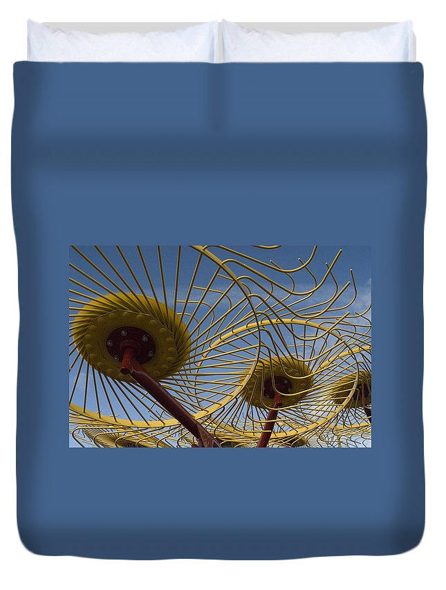 Farm Duvet Cover featuring the photograph Primary 1 by Sara Stevenson