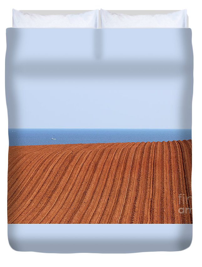 Prince Edward Island Duvet Cover featuring the photograph Prince Edward Island Fields 5645 by Jack Schultz