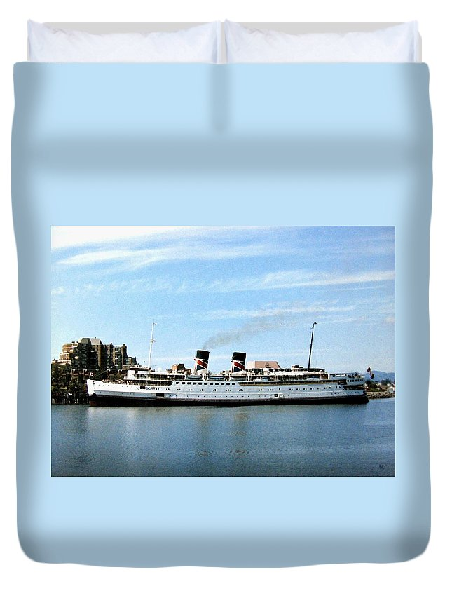 Princess Marguerite Duvet Cover featuring the photograph Princess Marguerite by Will Borden