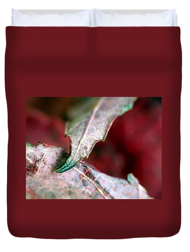 Macro Duvet Cover featuring the photograph Promise by Lauren Radke