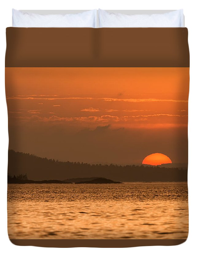 Sunset Duvet Cover featuring the photograph Pure Golden Sunset by Leo Gardner