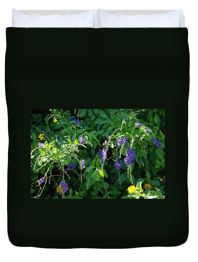 Floral Duvet Cover featuring the photograph Purple Hanging Flowers by Rob Hans