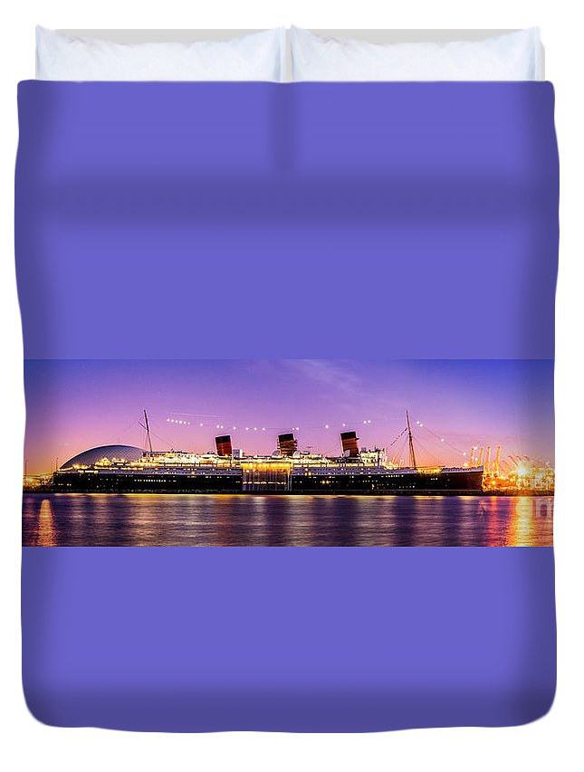 Long Beach Duvet Cover featuring the photograph Queen Mary At Dusk_pano by Enrique Guizar