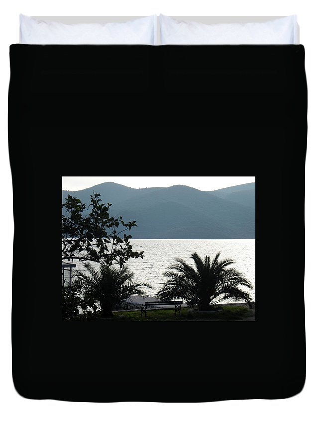 Quiet Time Duvet Cover featuring the photograph Quiet Time by Linda De La Rosa