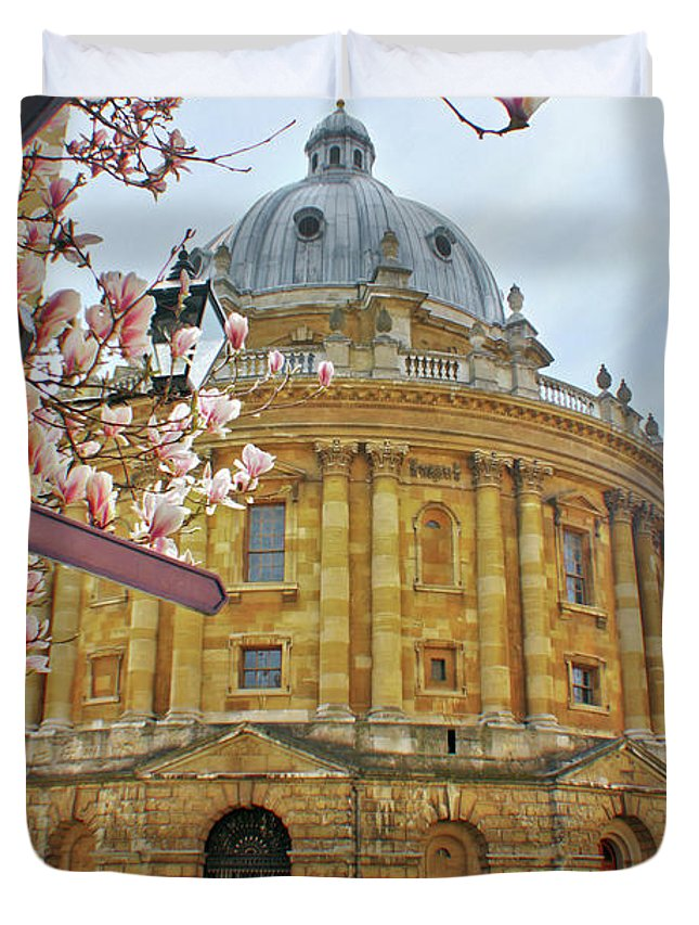 Radcliffe Camera Duvet Cover featuring the photograph Radcliffe Camera Bodleian Library Oxford by Terri Waters