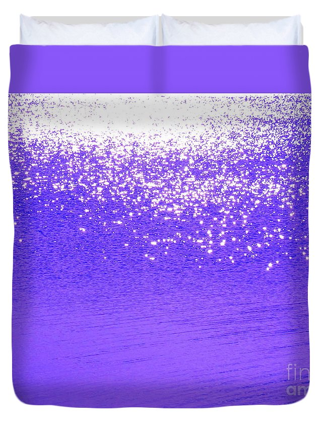 Abstract Duvet Cover featuring the photograph Radiance by Sybil Staples