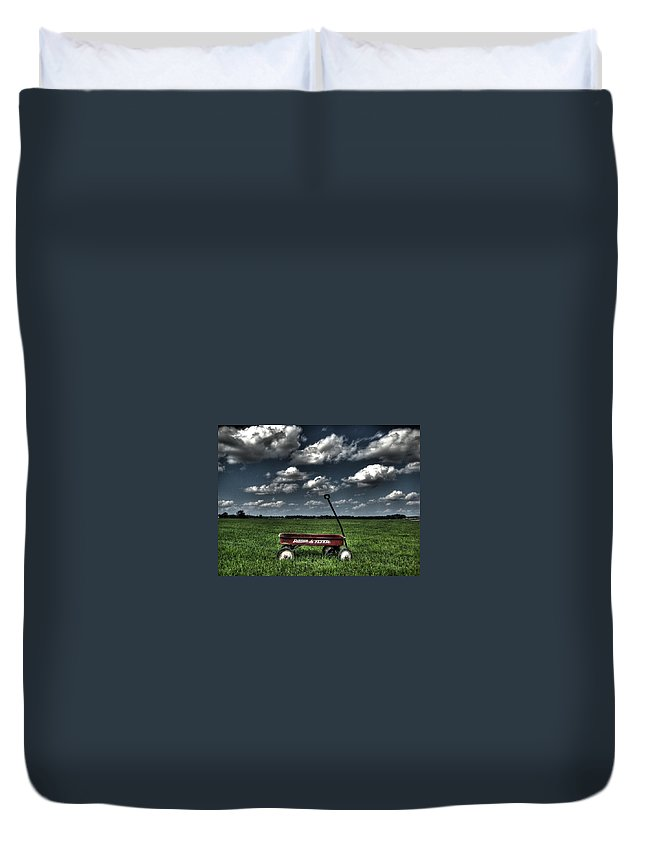 Wagon Duvet Cover featuring the photograph Radio Flyer by Jane Linders