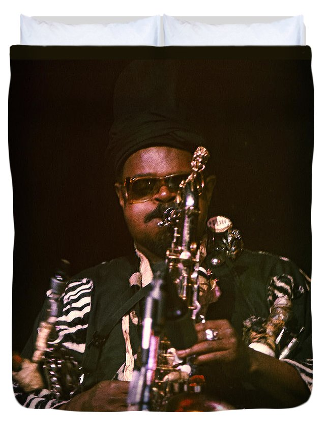 Rahsaan Roland Kirk Duvet Cover featuring the photograph Rahsaan Roland Kirk 3 by Lee Santa