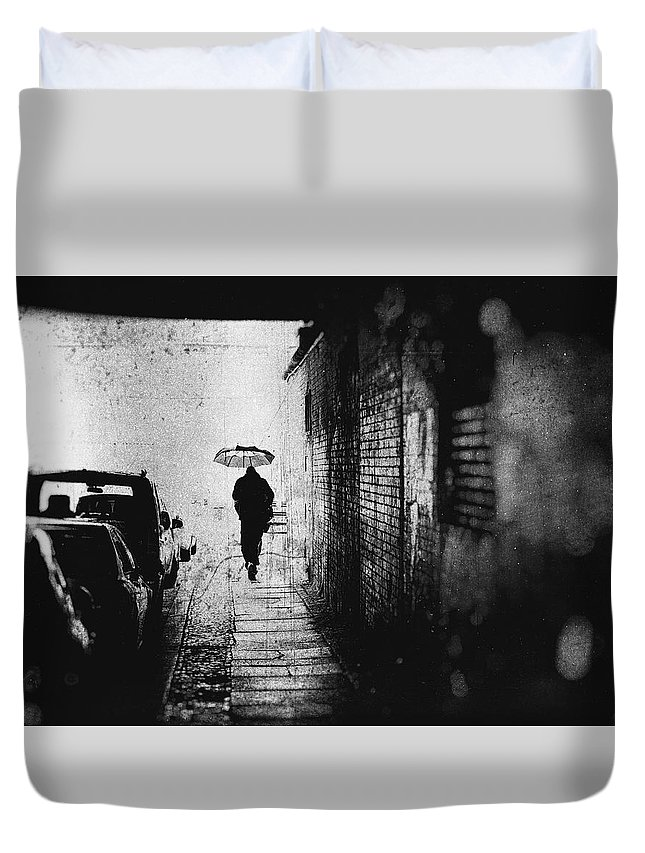Rain Duvet Cover featuring the photograph Rain In Berlin by Frank Andree