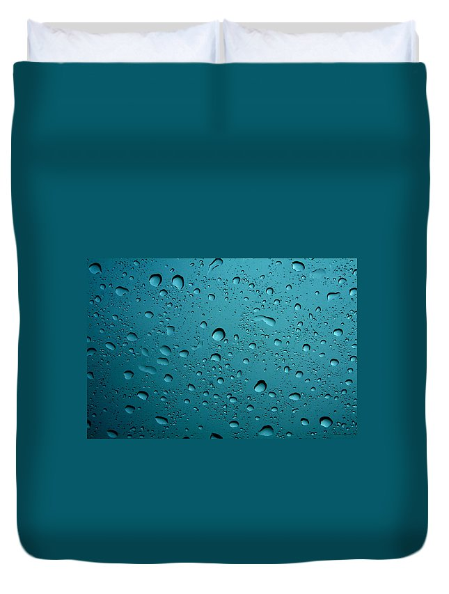 Abstract Duvet Cover featuring the photograph Raindrops by Linda Sannuti