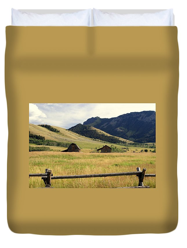 Landscapes Duvet Cover featuring the photograph Ranch Along Tom Miner Road by Marty Koch